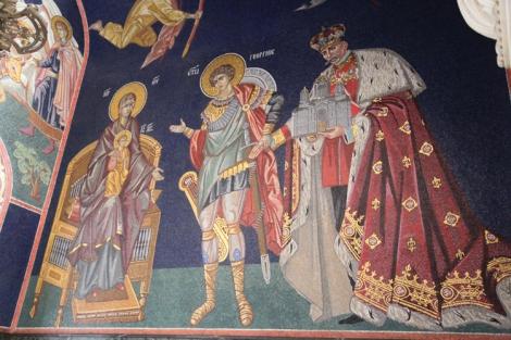 Pyhä Geroge johdattaa kuningas Petar I:n ja hänen perustamansa kirkon siunattavaksi.