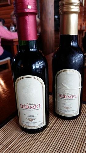 Jälkiruokaviininä maistui Bermet, Vojvodinan yrttinen juoma.