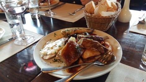 Ravintola Milagro Zemunissa, Belgradissa. Ykköspaikka!