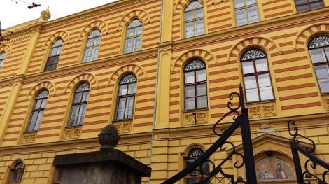 Sremski Karlovcin kaunista arkkitehtuuria, teologinen yliopisto.