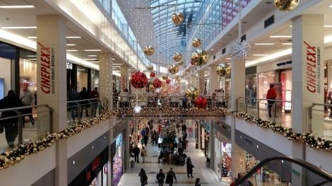 Delta-City kauppakeskuksen joulukoristeluja.